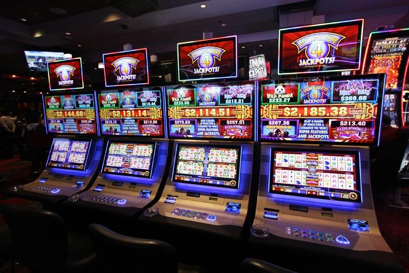 R Casino